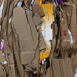 Zusammengedrückte Kartons in einer Nahaufnahme