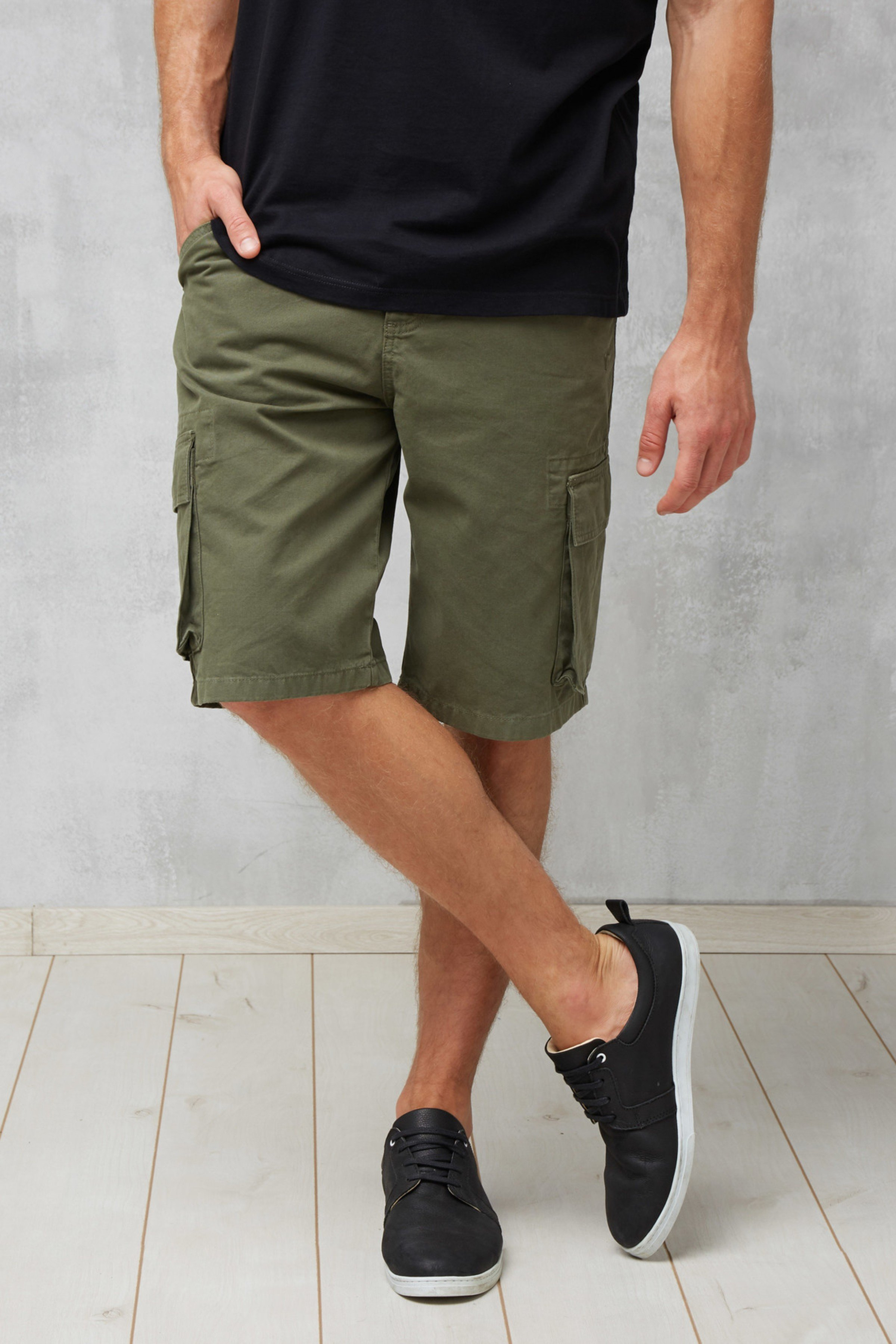 Shorts Cargo Olive Grün from LOVECO
