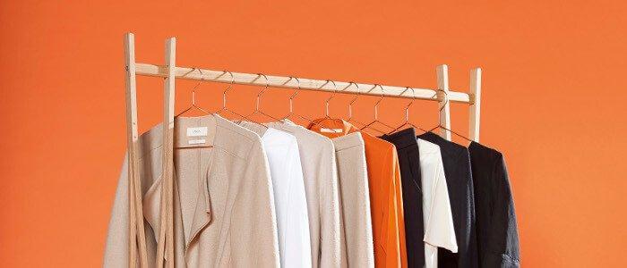 Kleiderständer mit fairer Mode