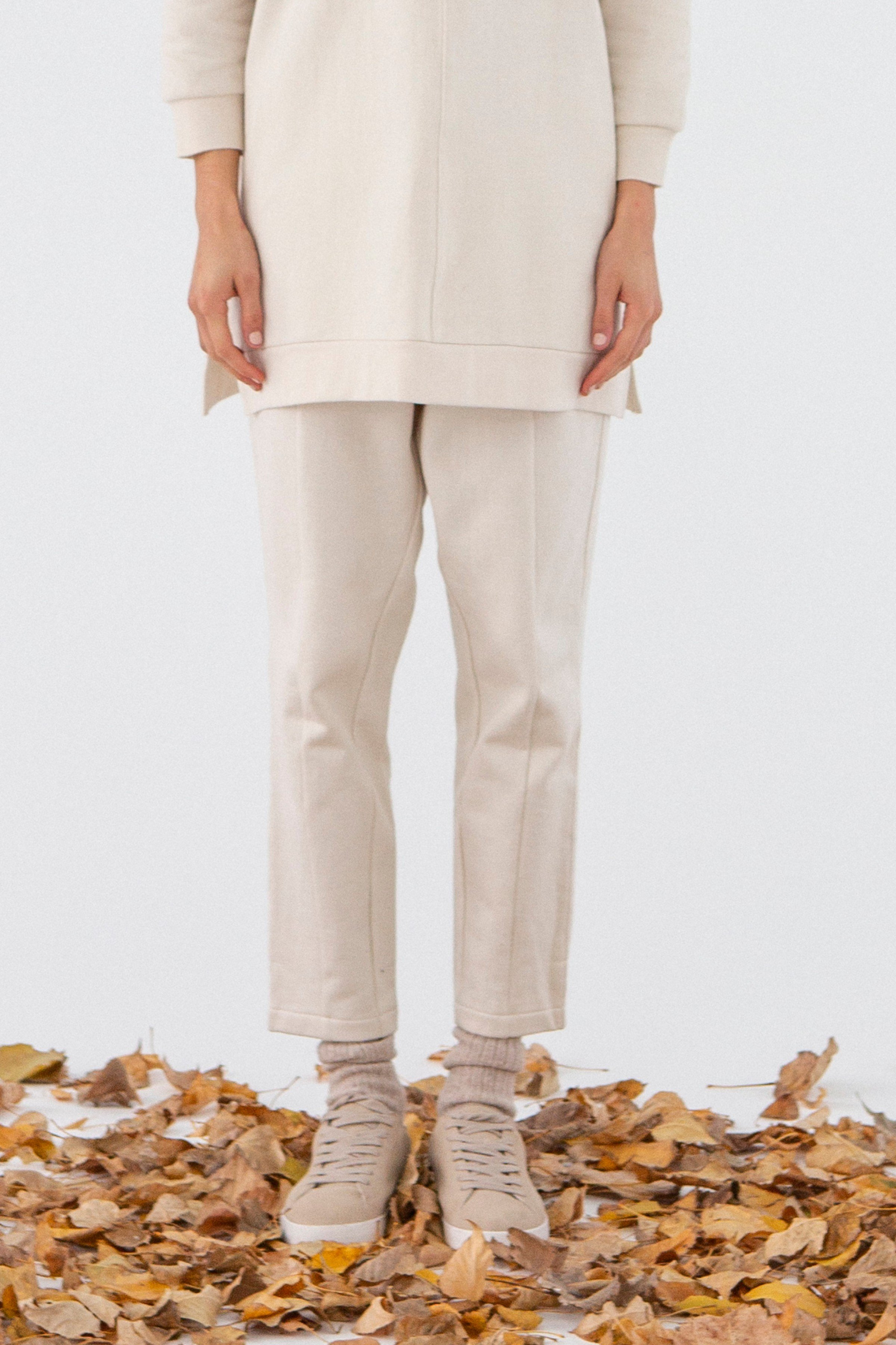 Hose Enzo Beige from LOVECO