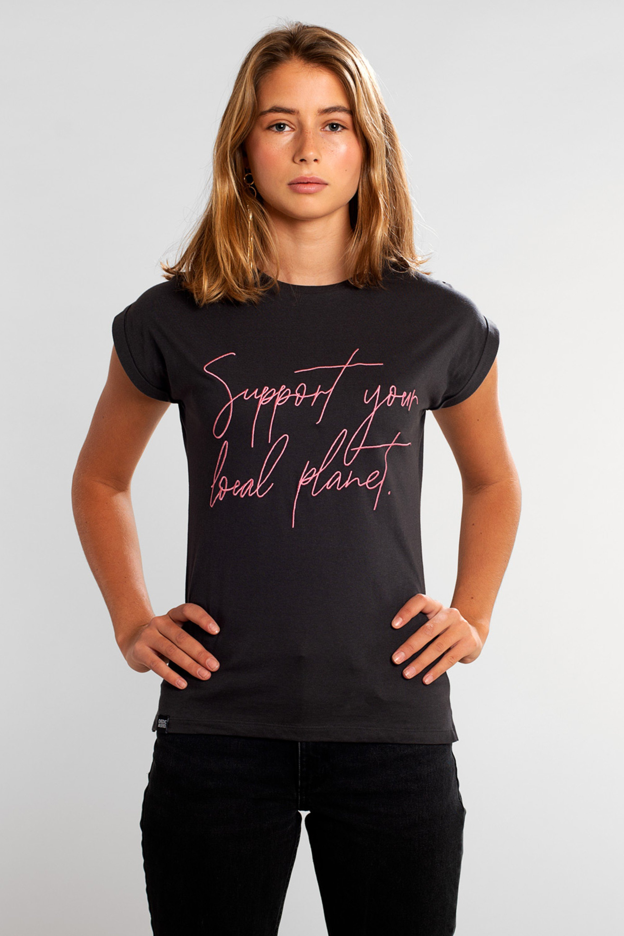 T-Shirt Visby Support Script Schwarz from LOVECO