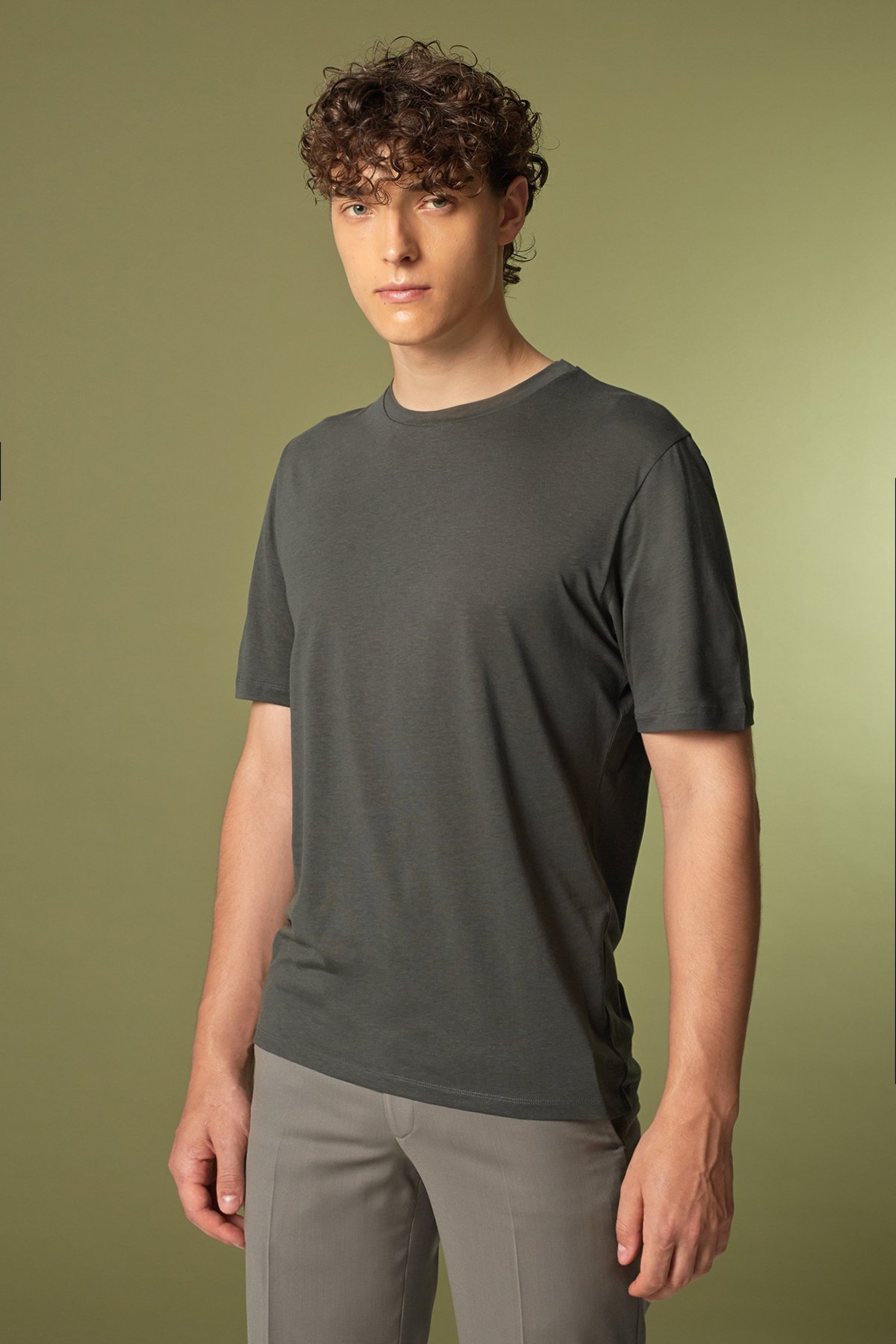 T-Shirt Iconic (mehrere Farben)