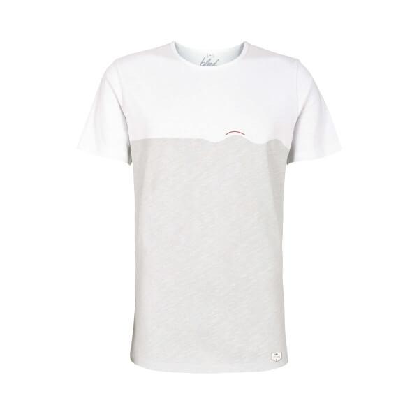 Bild-bleed-TshirtWave-white-001