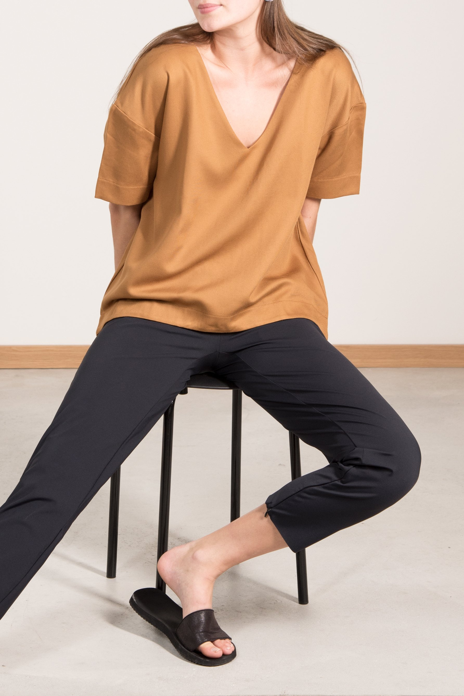 T-Shirt V-Neck Loano Cognac Braun from LOVECO