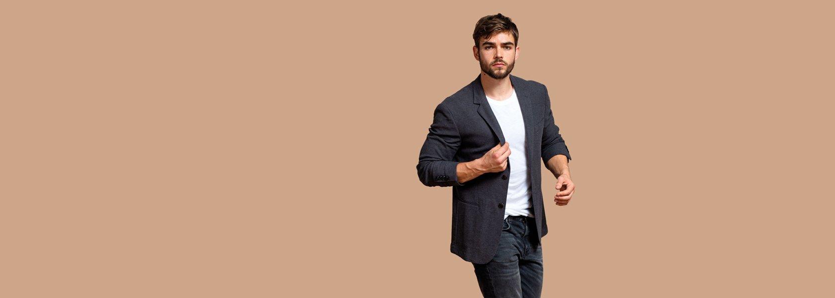 Mann trägt faire Mode