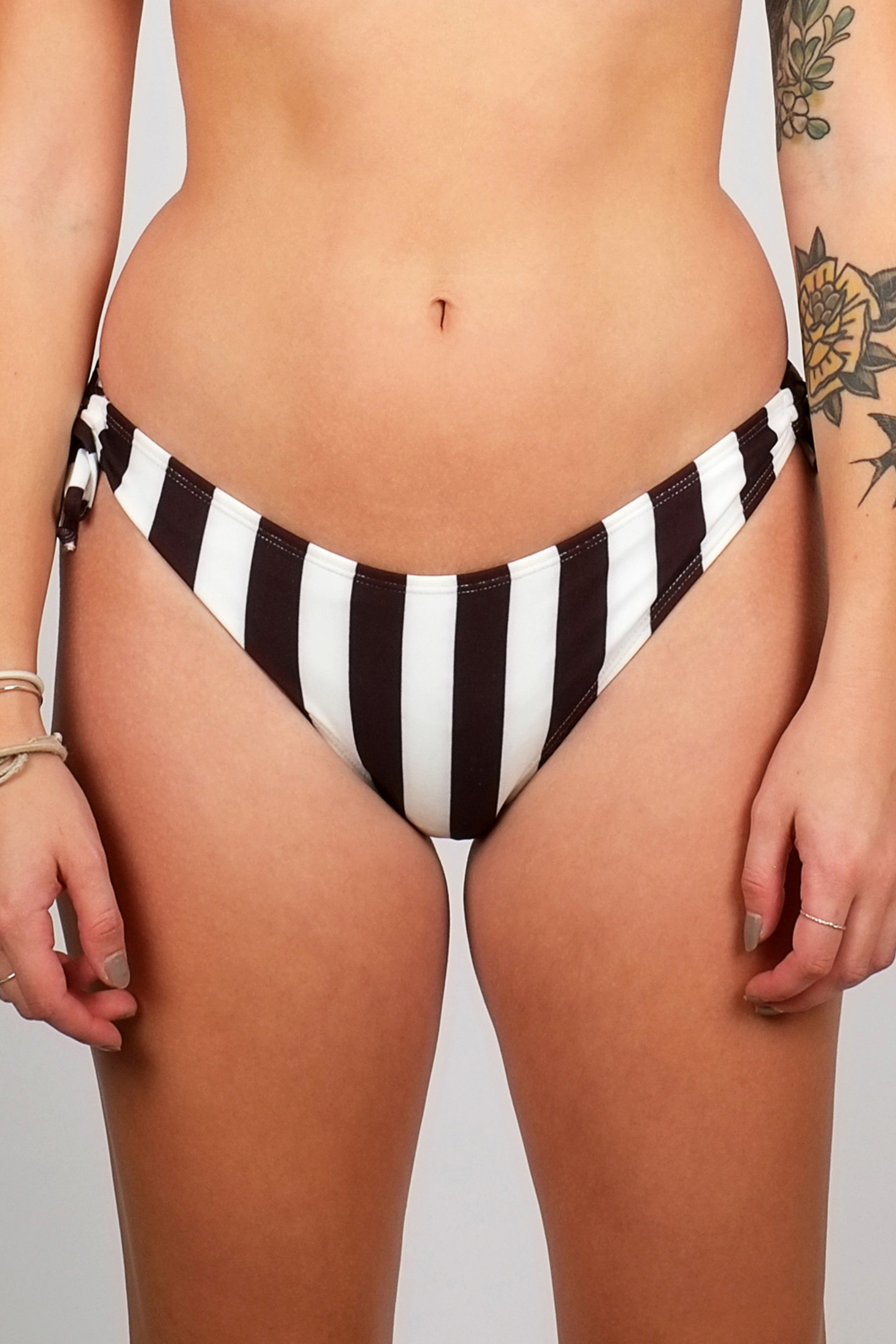 Bikini Bottom Odda Big Stripes Weiss from LOVECO